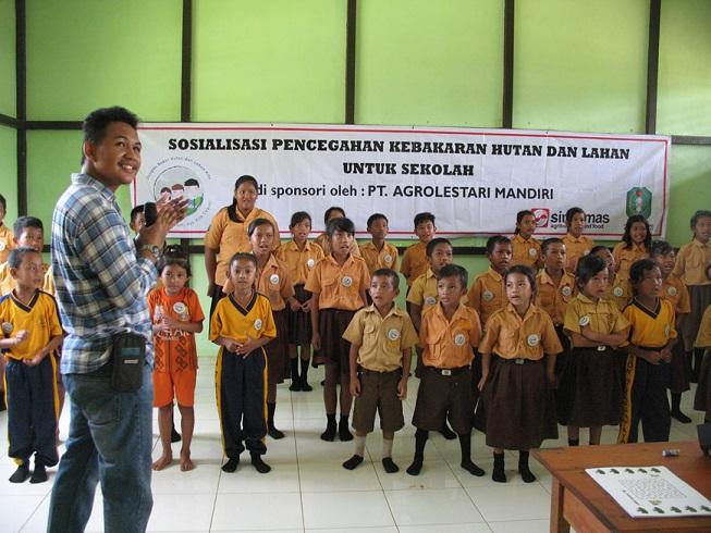 Program kesadaran masyarakat yang dilaksanakan di PT AMNL, Kalimantan Barat